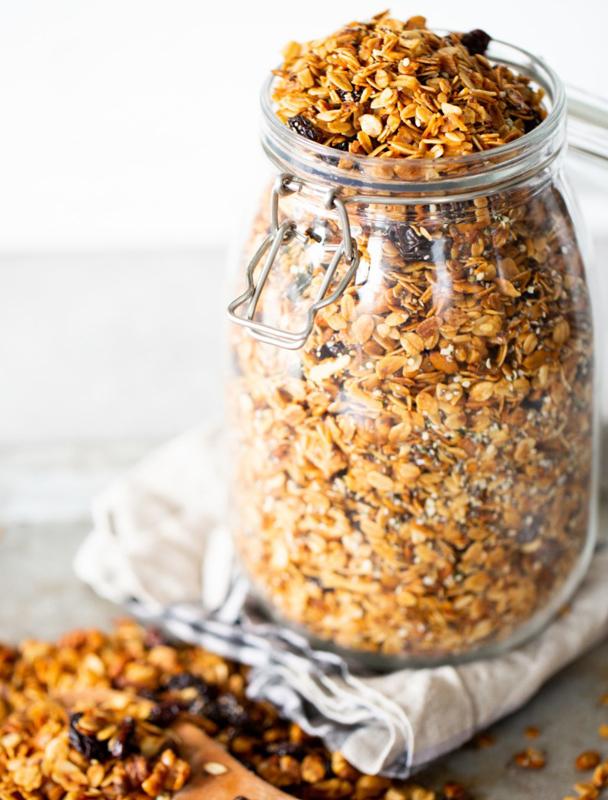 Domowa granola - przepis na smaczne śniadanie